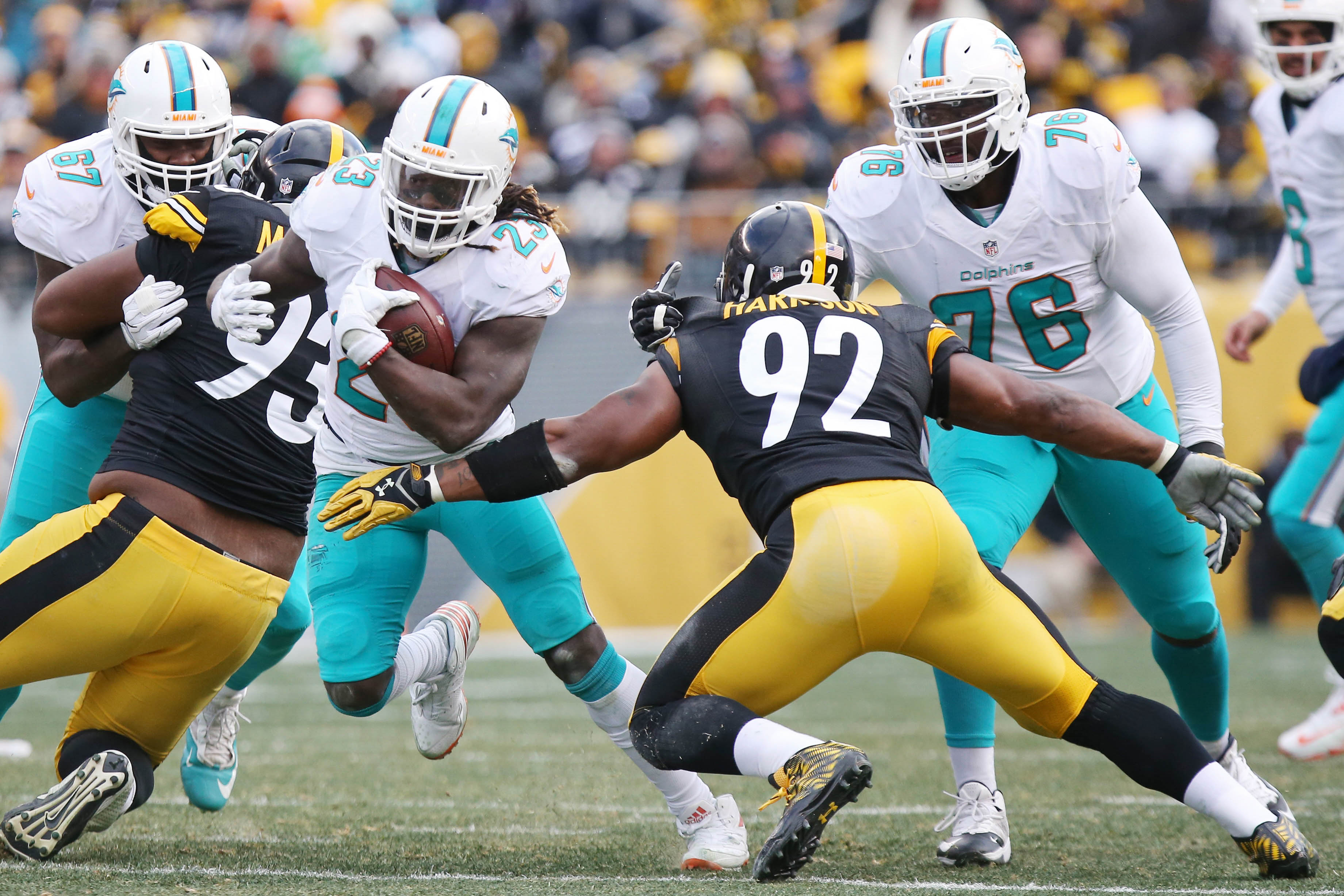 9805632-nfl-afc-wild-card-miami-dolphins-at-pittsburgh-steelers