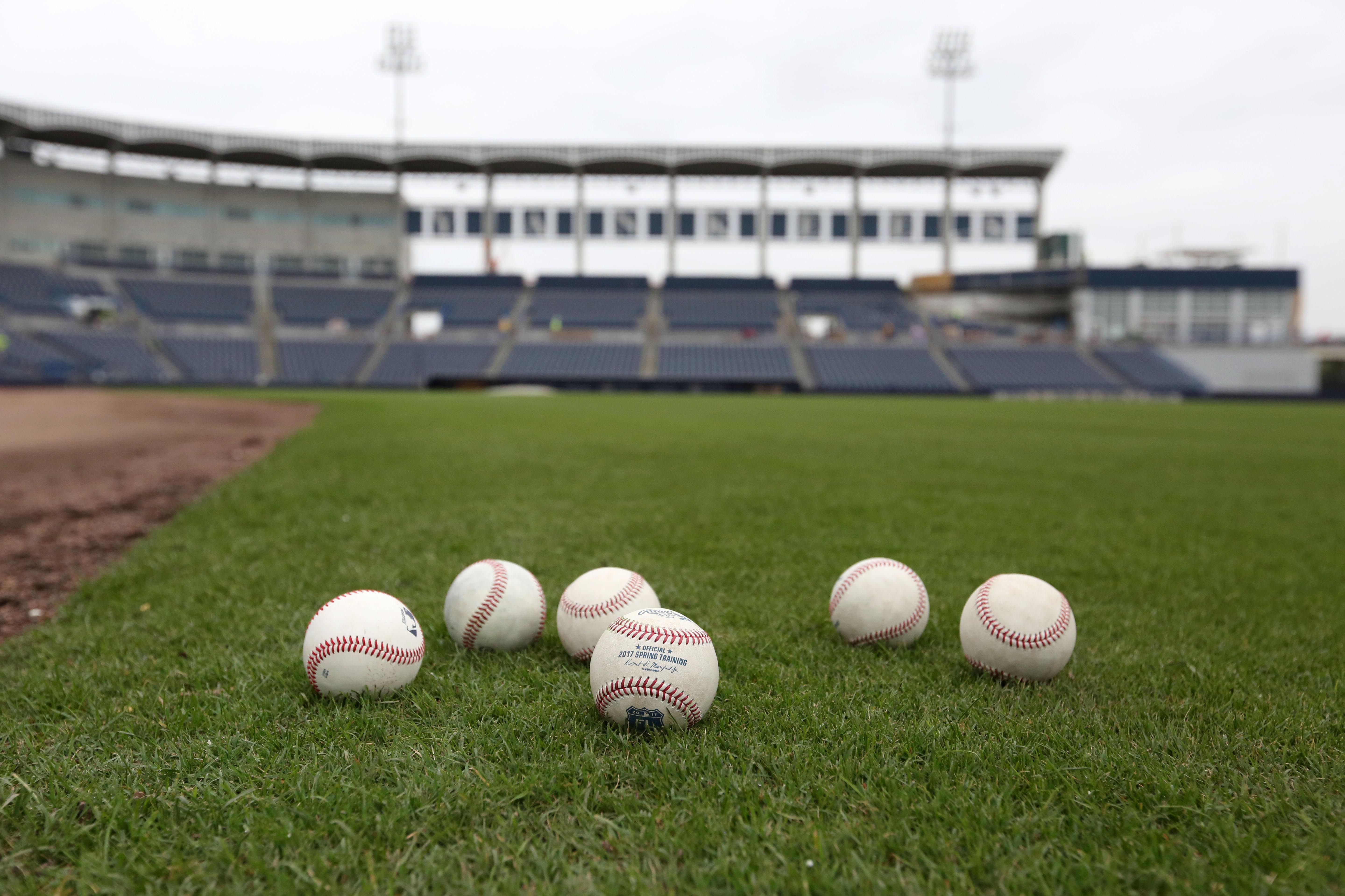 9877444-mlb-new-york-yankees-workouts