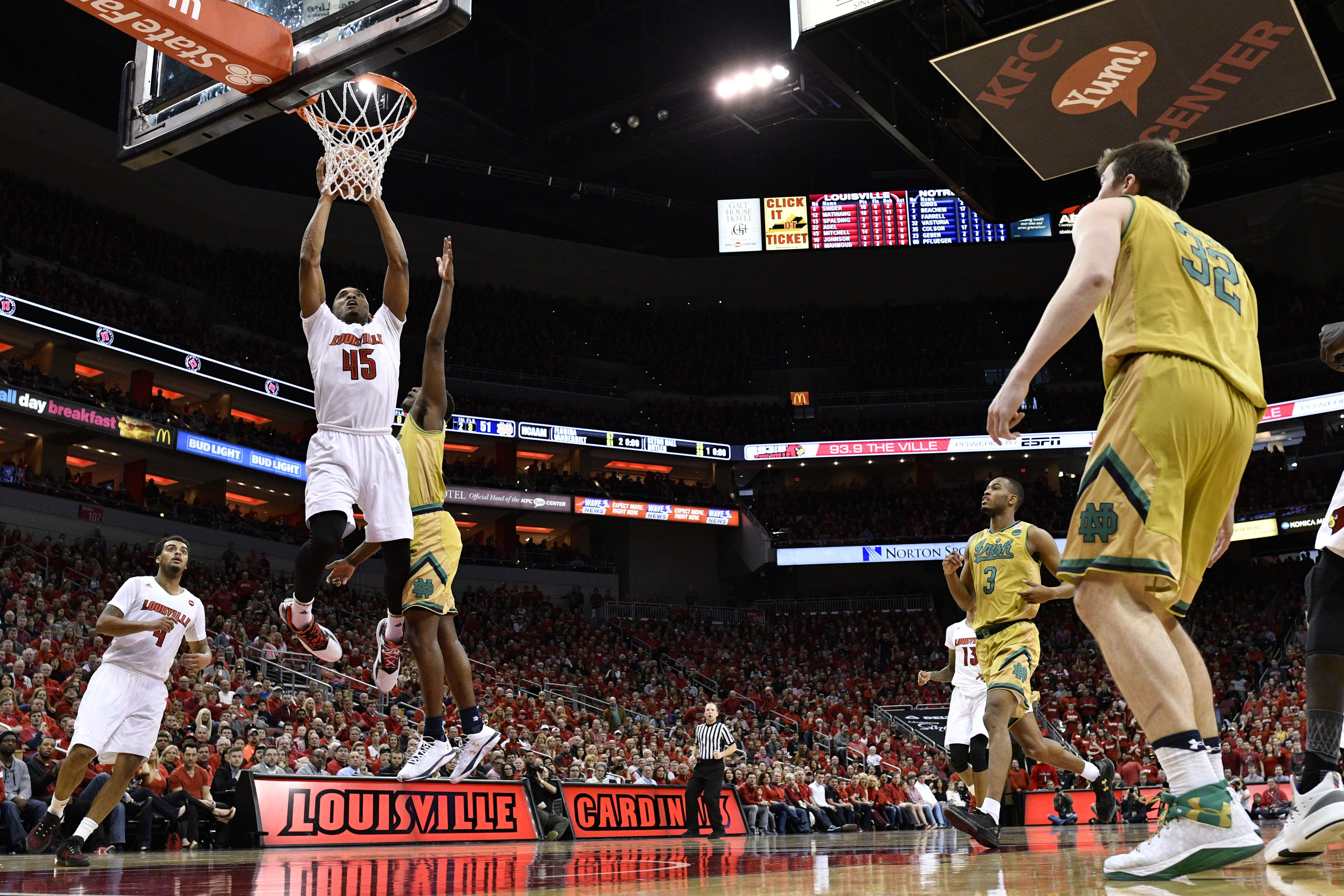 9916147-ncaa-basketball-notre-dame-at-louisville
