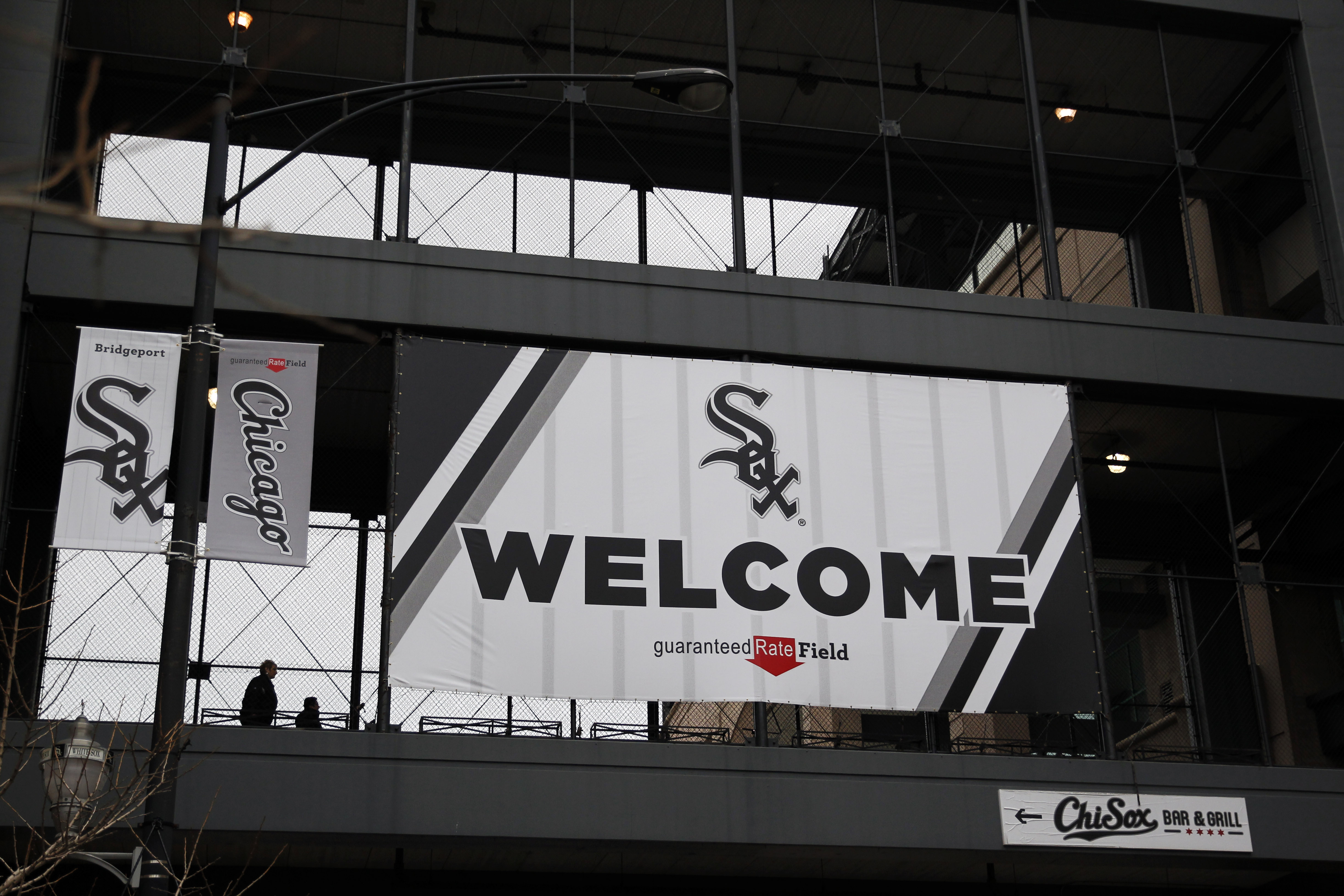 9992788-mlb-detroit-tigers-at-chicago-white-sox