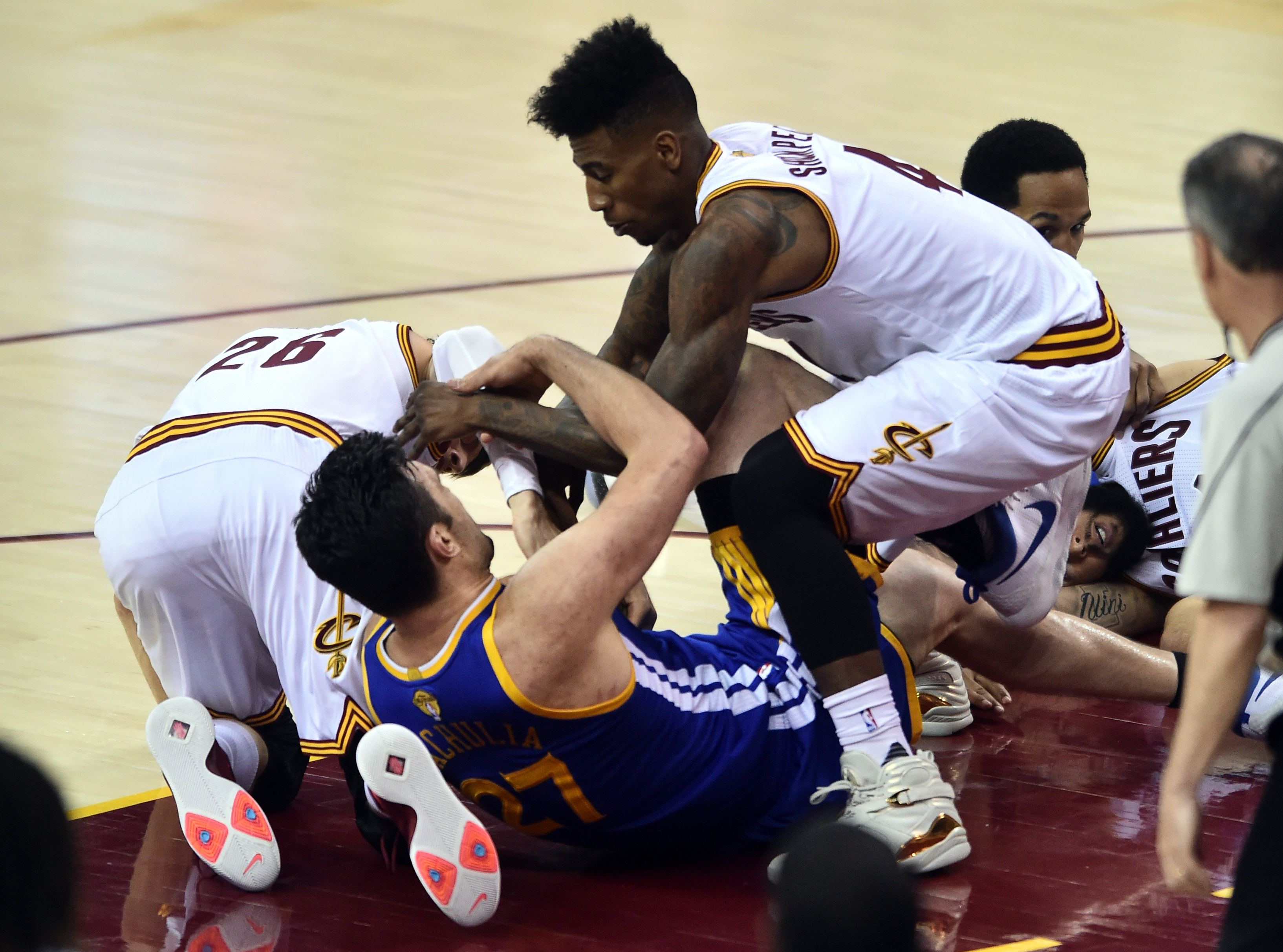 10100235-nba-finals-golden-state-warriors-at-cleveland-cavaliers