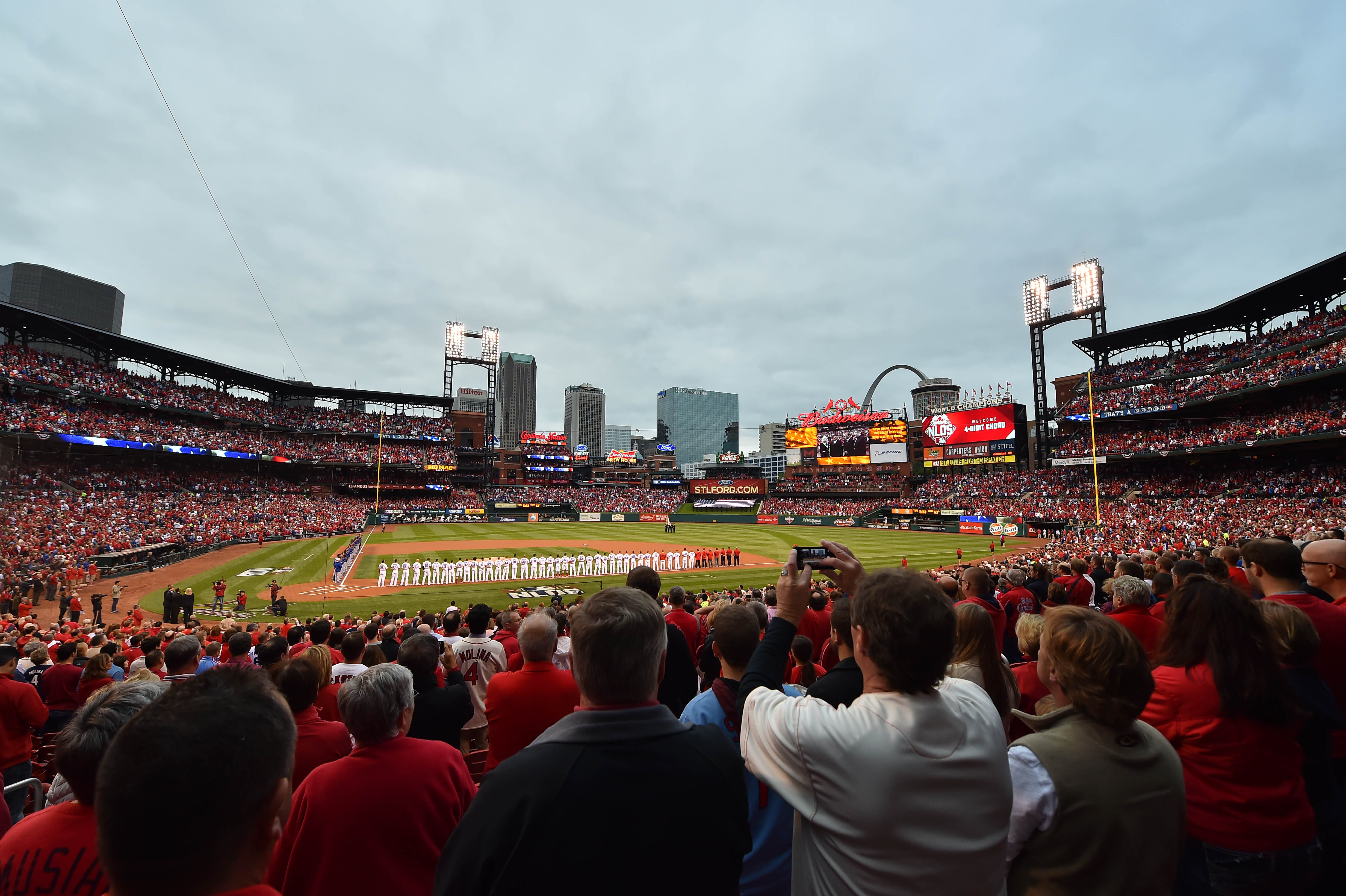 8850330-mlb-nlds-chicago-cubs-at-st.-louis-cardinals