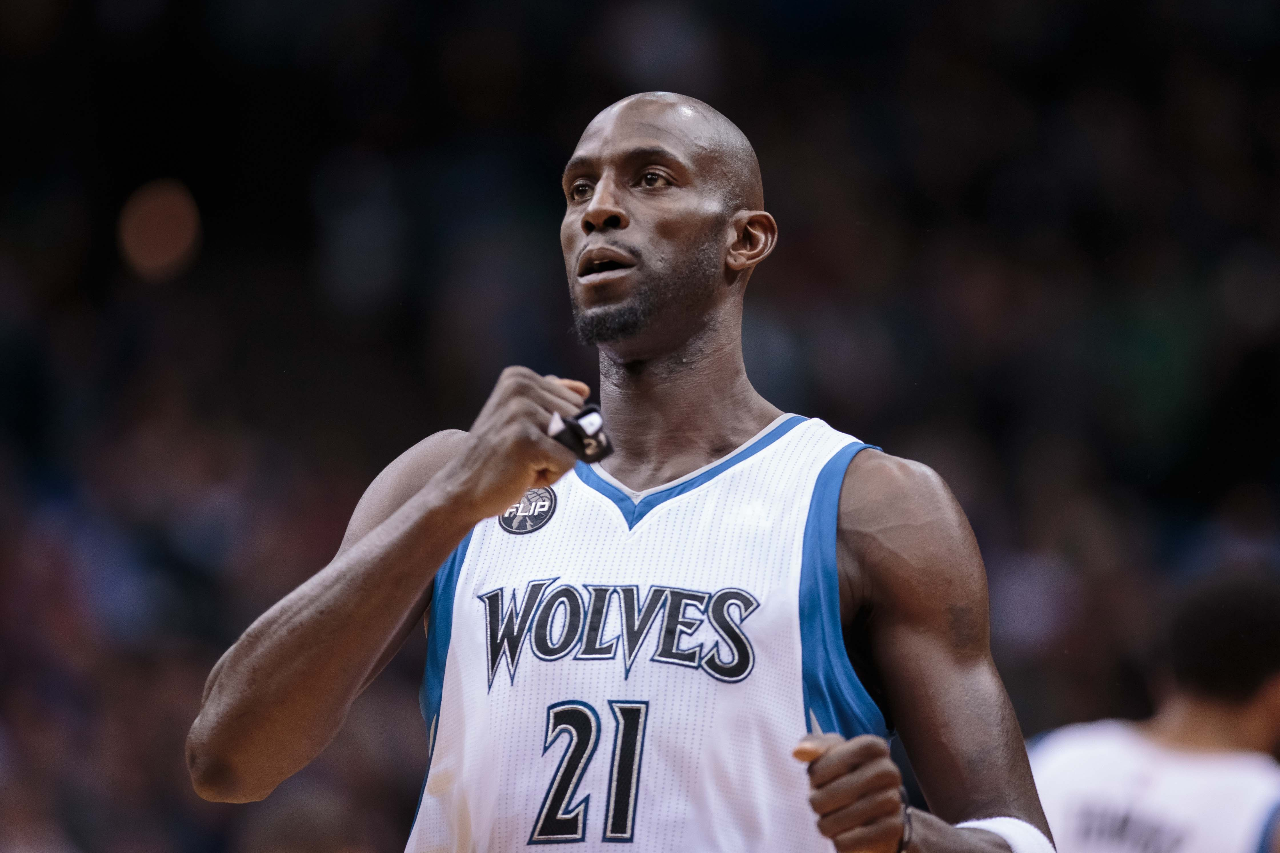 What if the Timberwolves had never traded Kevin Garnett?