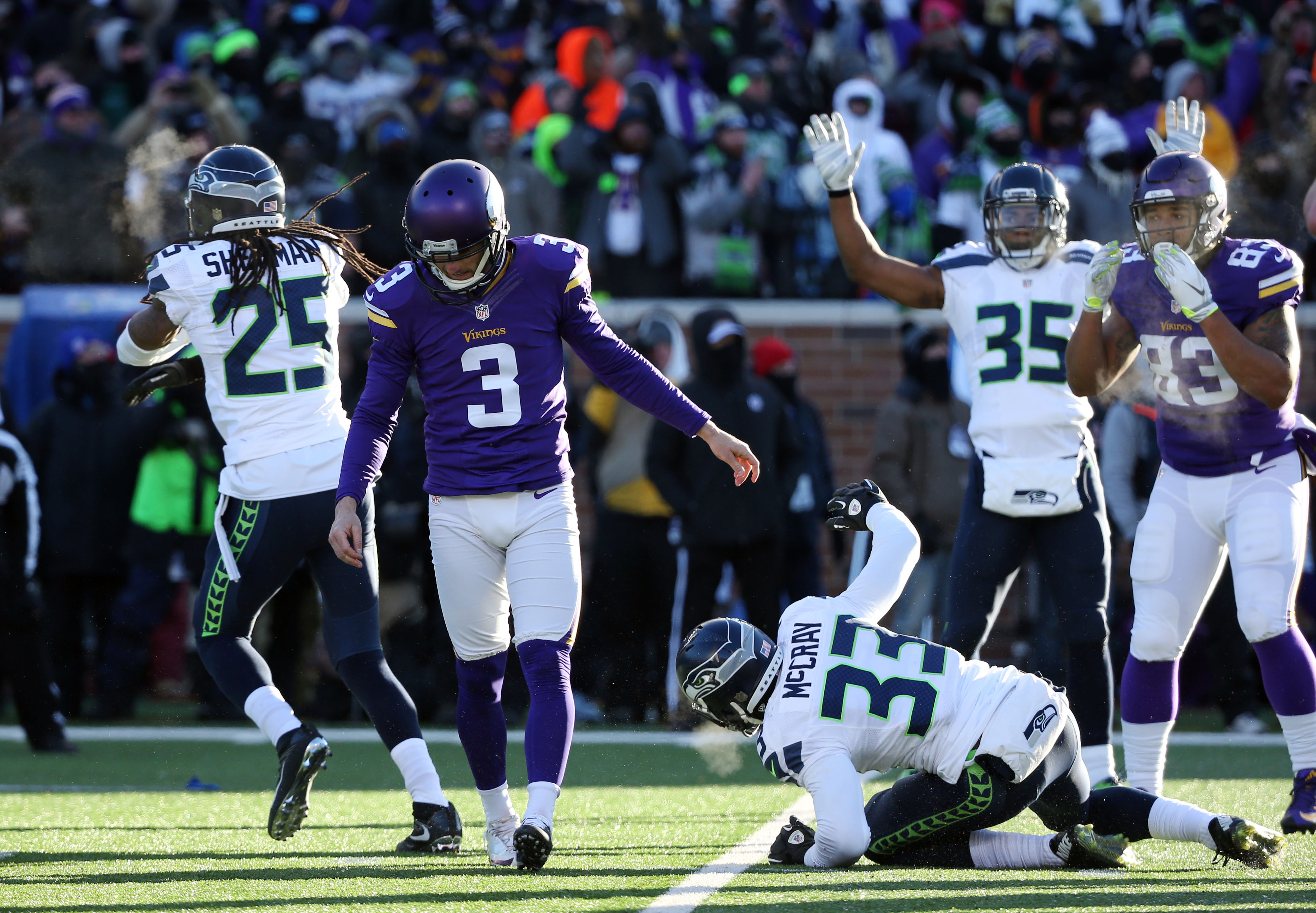 9049988-nfl-nfc-wild-card-seattle-seahawks-at-minnesota-vikings
