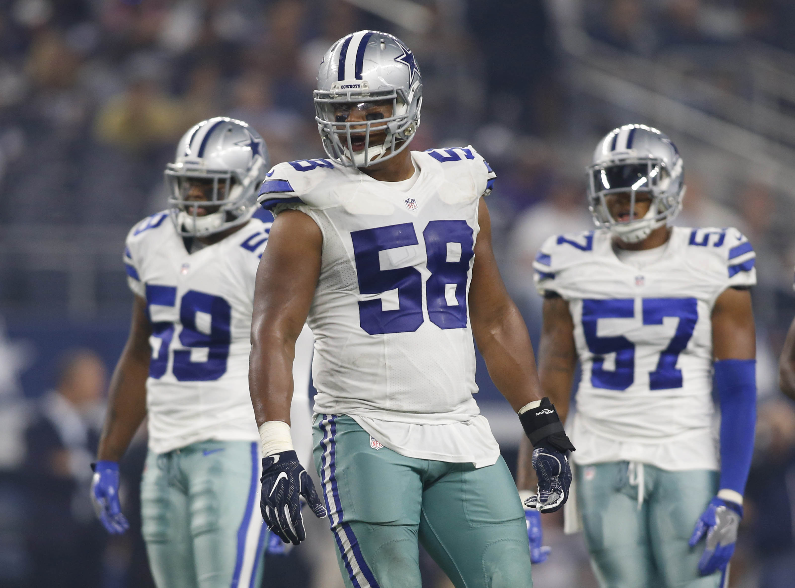 9489119-nfl-preseason-miami-dolphins-at-dallas-cowboys