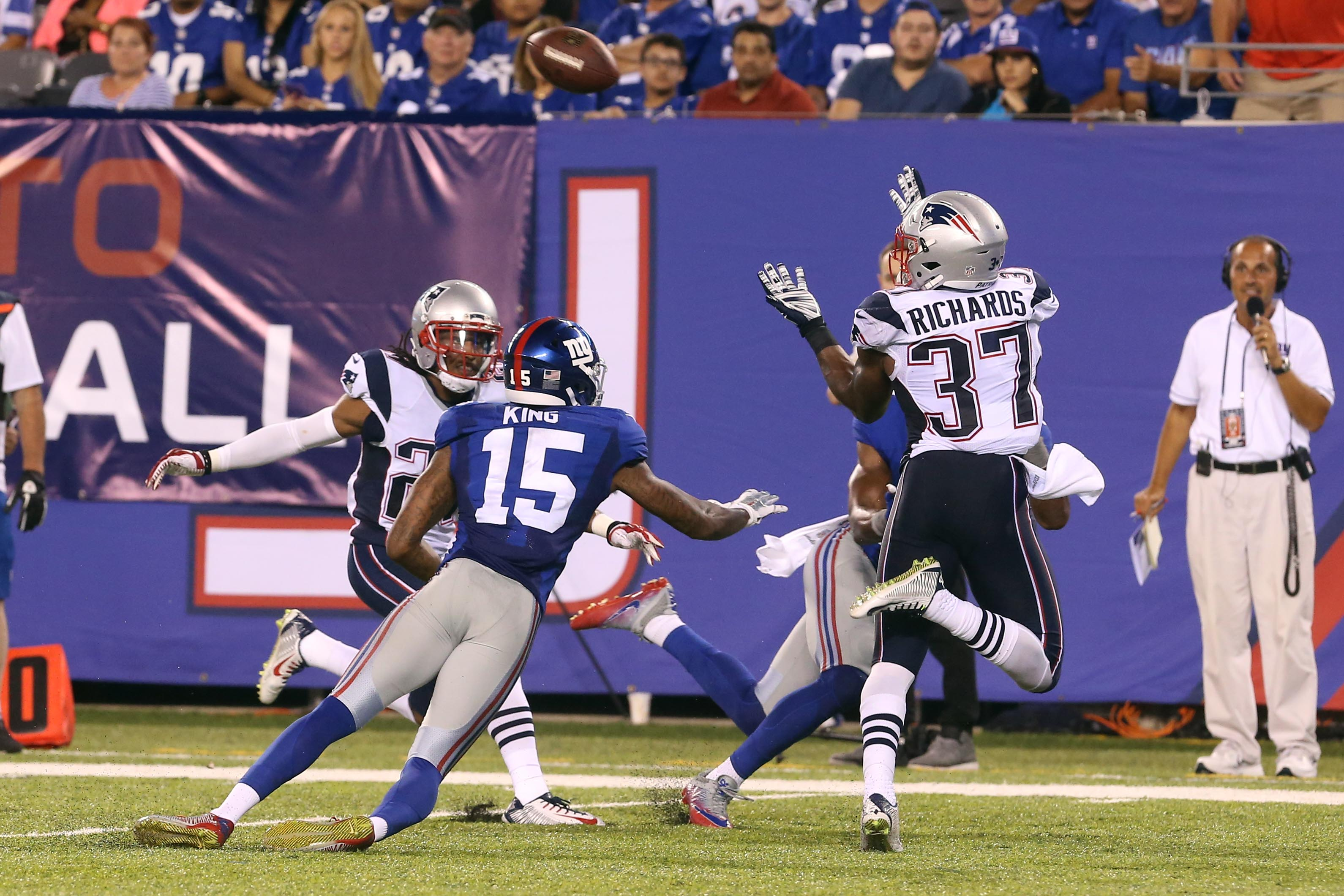 9512696-nfl-preaseason-new-england-patriots-at-new-york-giants