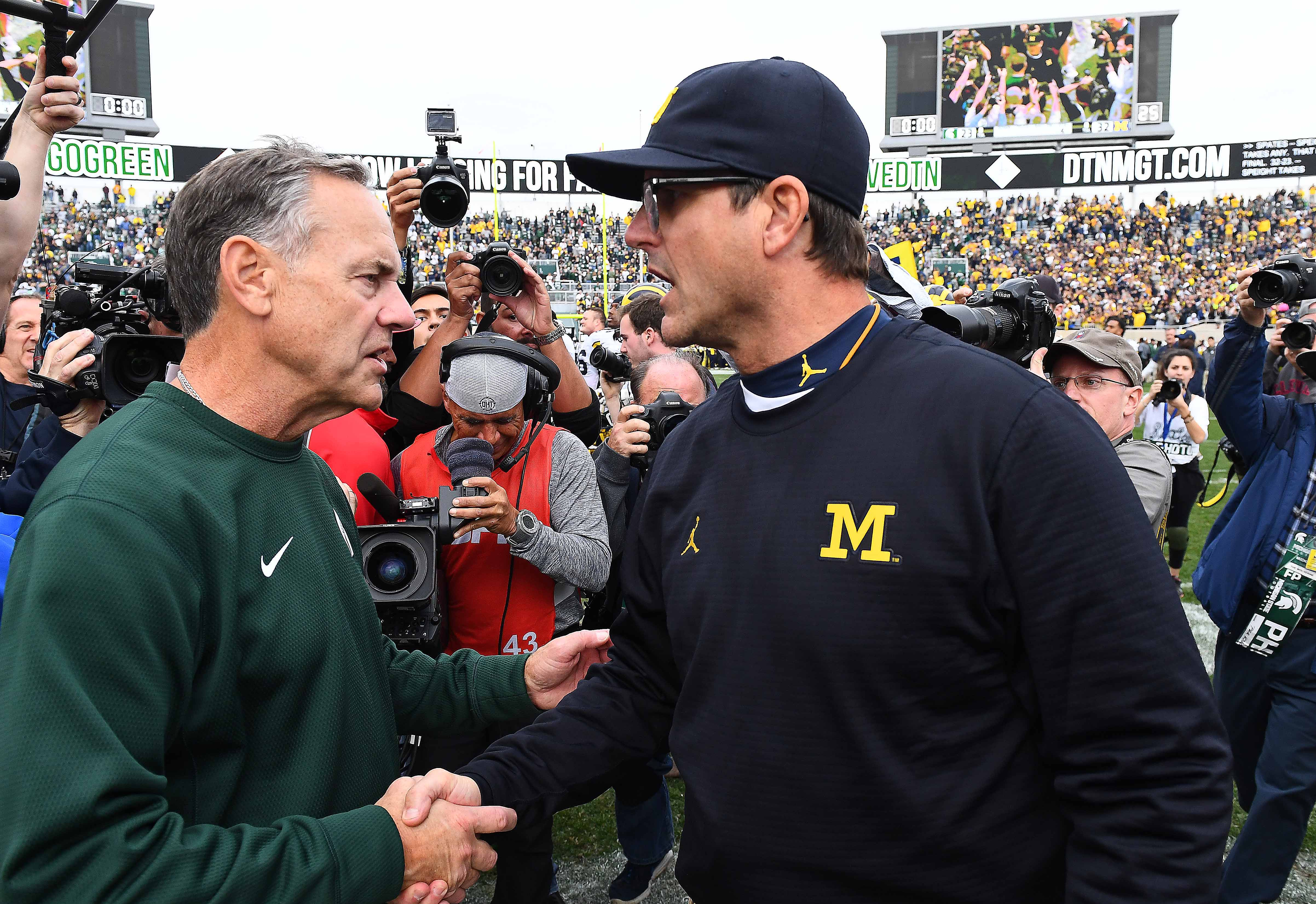 9639857-ncaa-football-michigan-at-michigan-state