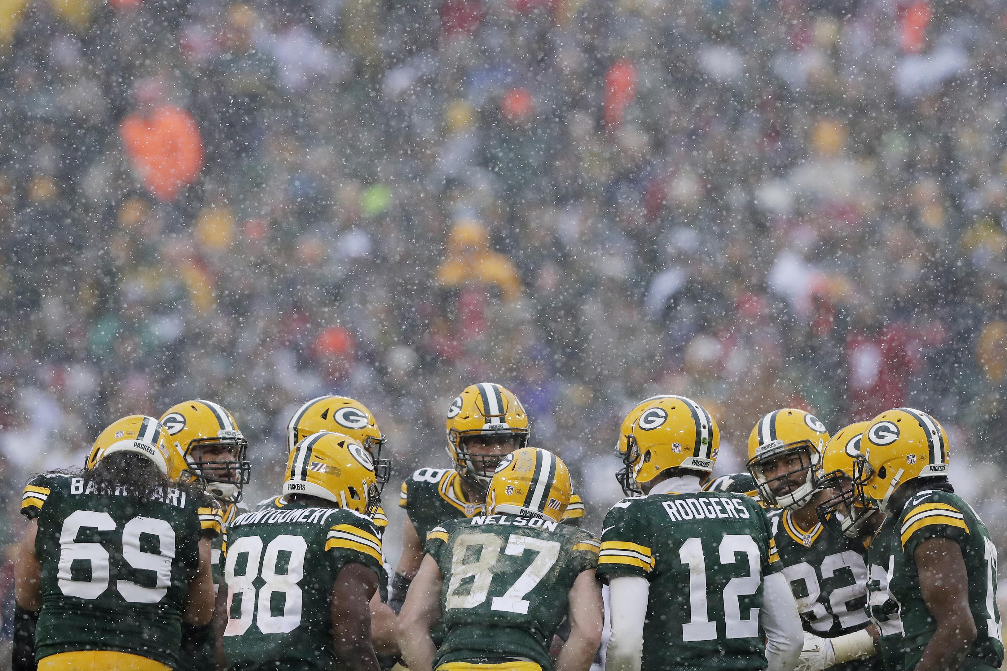 9725175-nfl-houston-texans-at-green-bay-packers