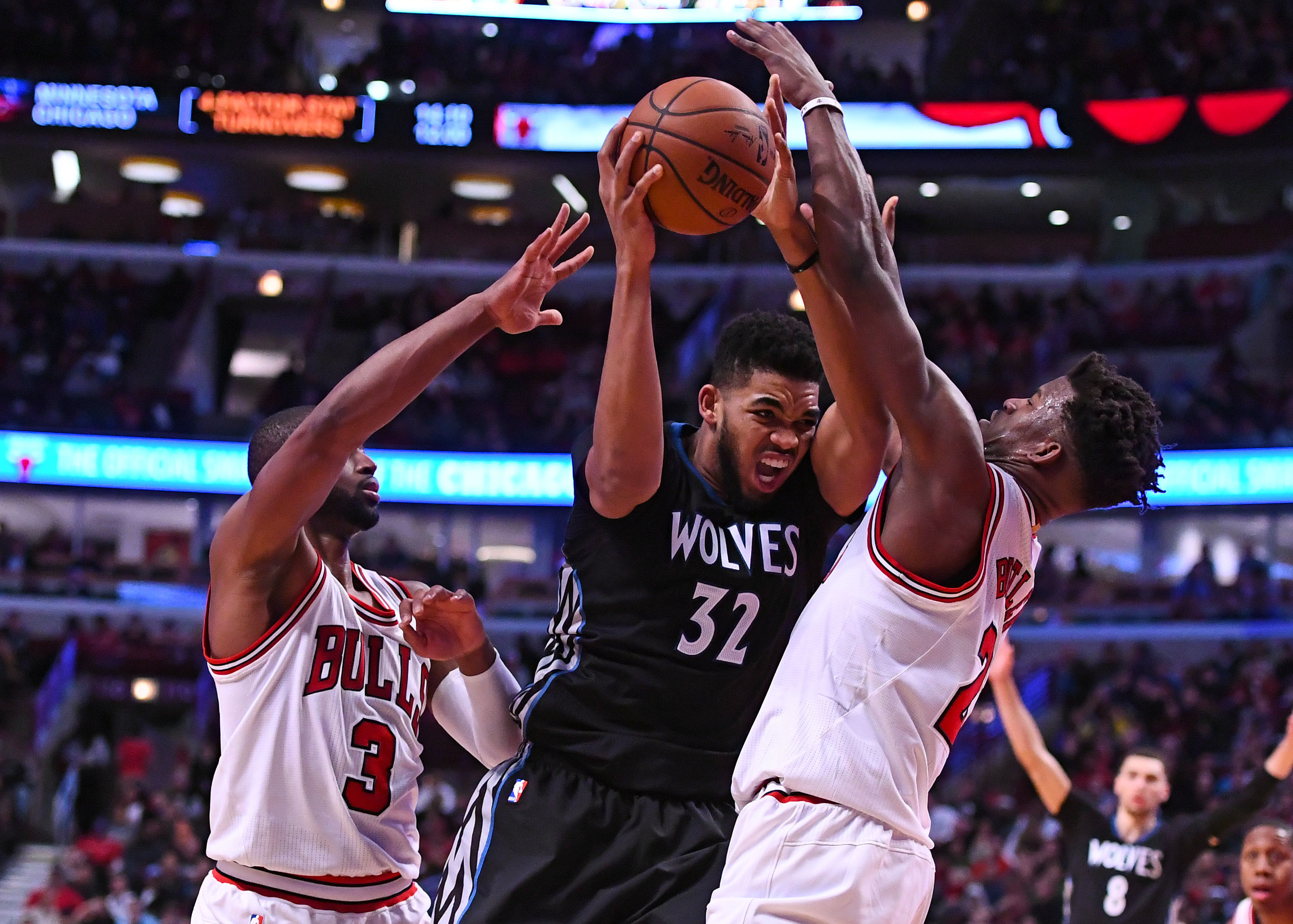 Bulls trade Butler to Timberwolves