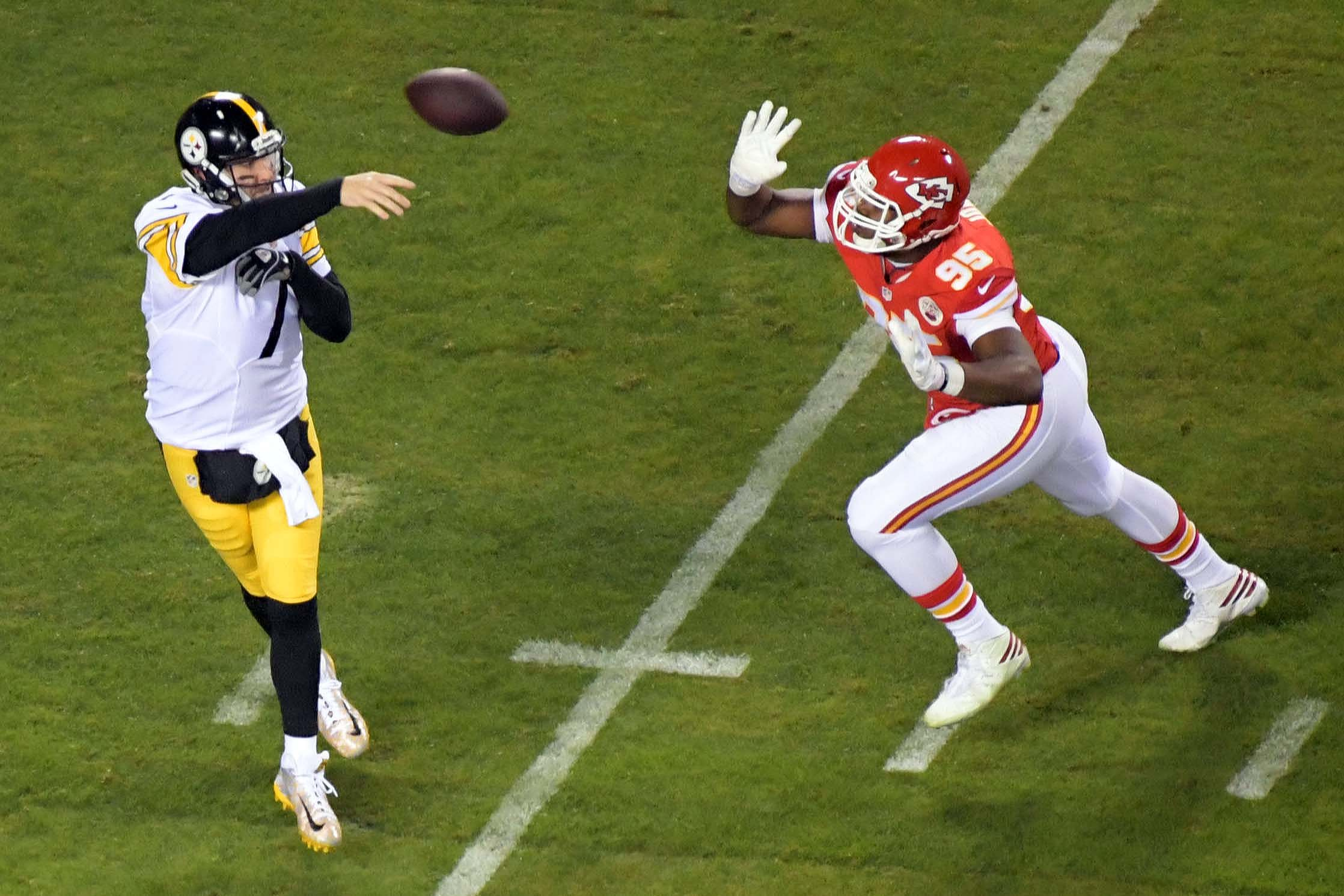 9812724-nfl-afc-divisional-pittsburgh-steelers-at-kansas-city-chiefs