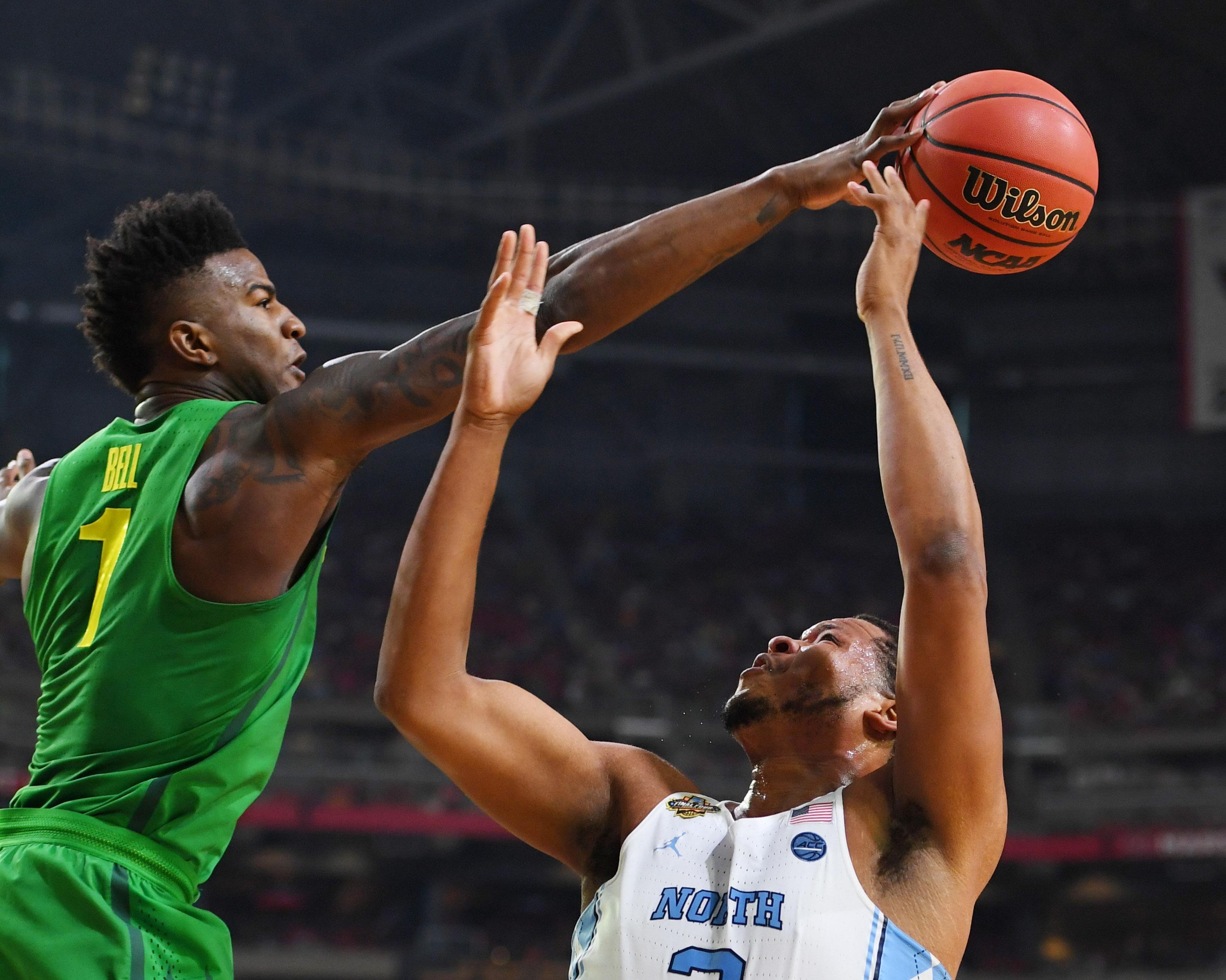 9986174-ncaa-basketball-final-four-oregon-vs-north-carolina
